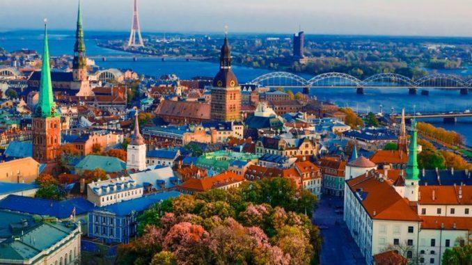 Рига – место, где великолепная архитектура неразрывно связана с тишиной и уютом и все это в самом сердце Латвии, куда я и решила отправиться в этот раз.