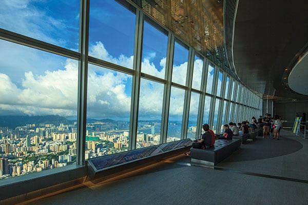Эта смотровая площадка расположилась на 100 этаже Международного коммерческого центра, который находится в Юнион-сквере