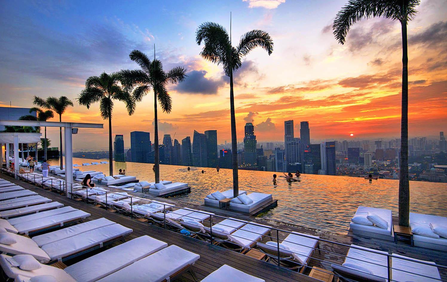 Это, пожалуй, самый популярный отель у всех приезжающих в Сингапур