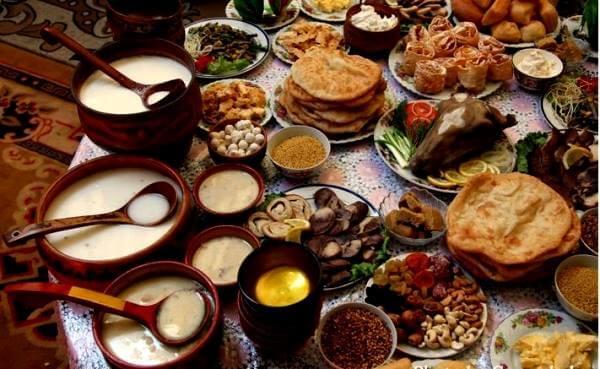 Кулинария монгольской столицы представлена кафе и ресторанами местной, европейской кухни, всемирно известными брендами типа MCDonalds и KFC
