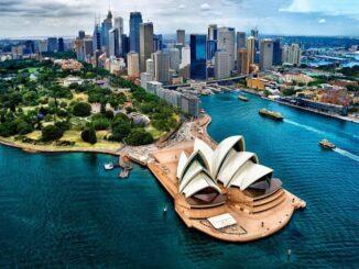 Одно из самых запоминающихся и далеких моих путешествий – поездка в Австралию. Эта страна-континент настолько обособлена от остального мира, что не может не интриговать