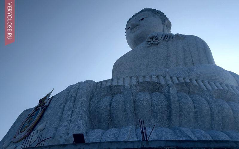 Парк буддийских монахов расположенный на одной и самых высоких точек Пхукета на вершине горы Нагакерд (Nagakerd)