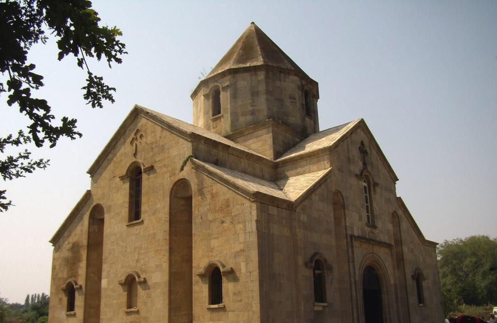 В 37 км от Дербента есть село Нюгди. Здесь сохранилась Армянская церковь, построенная в 1916 году в память Святого Григориса, распространителя христианства IV века