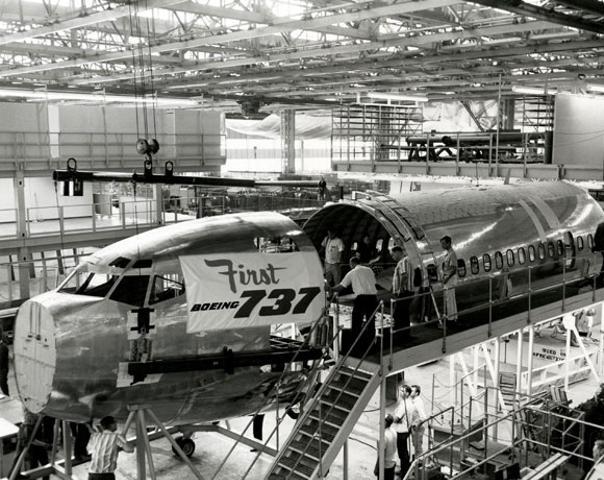 Среднемагистральный пассажирский Boeing 737-800 был выпущен в 1997 году и с тех пор стал одним из самых популярных самолетов для полетов на малые и средние дистанции у российских авиаперевозчиков