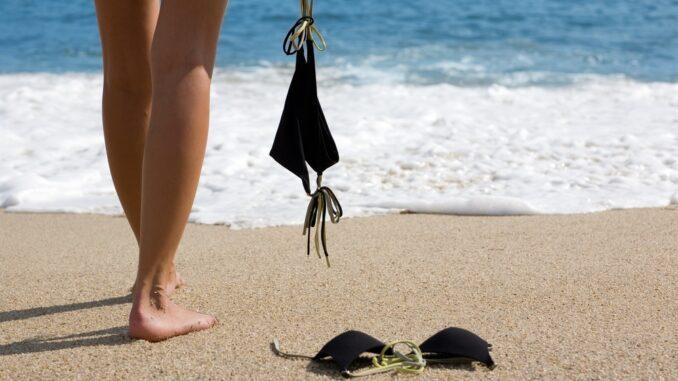 Нудистские пляжи в России пользуются популярностью в узких кругах