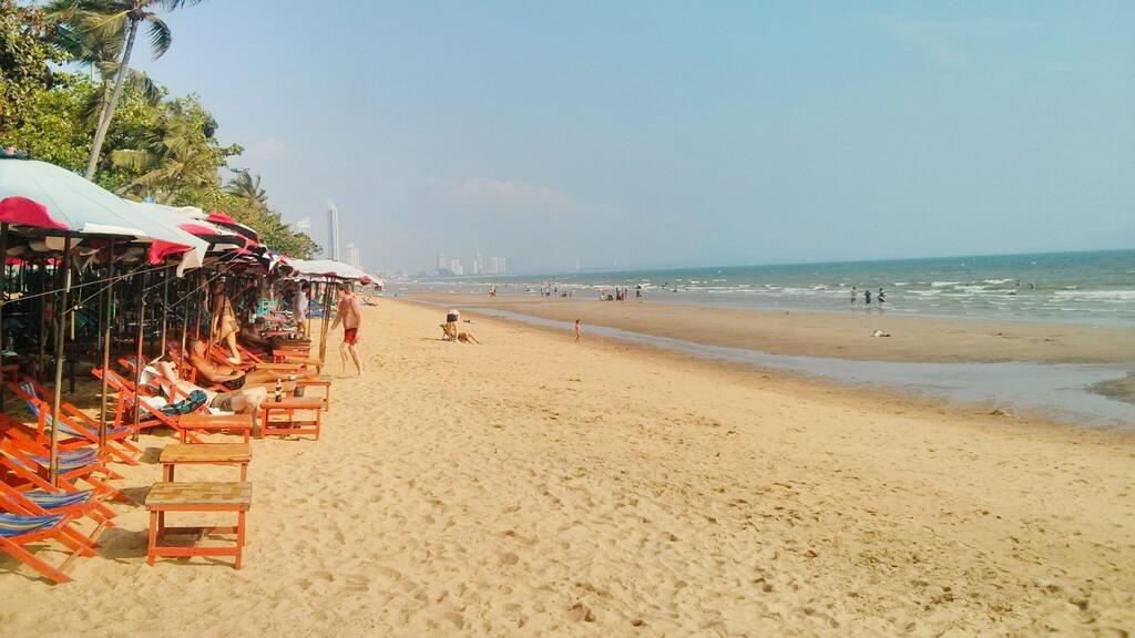 Описание Пляжа Джомтьен в Паттайе