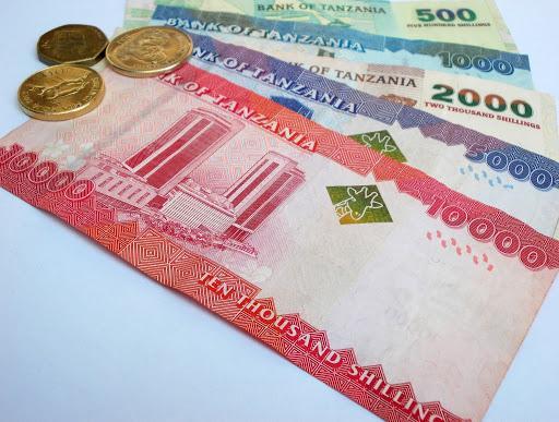 Шиллинги являются национальной валютой в Занзибаре. Но переживать не стоит, потому что туристы всегда и везде могут расплачиваться американскими долларами