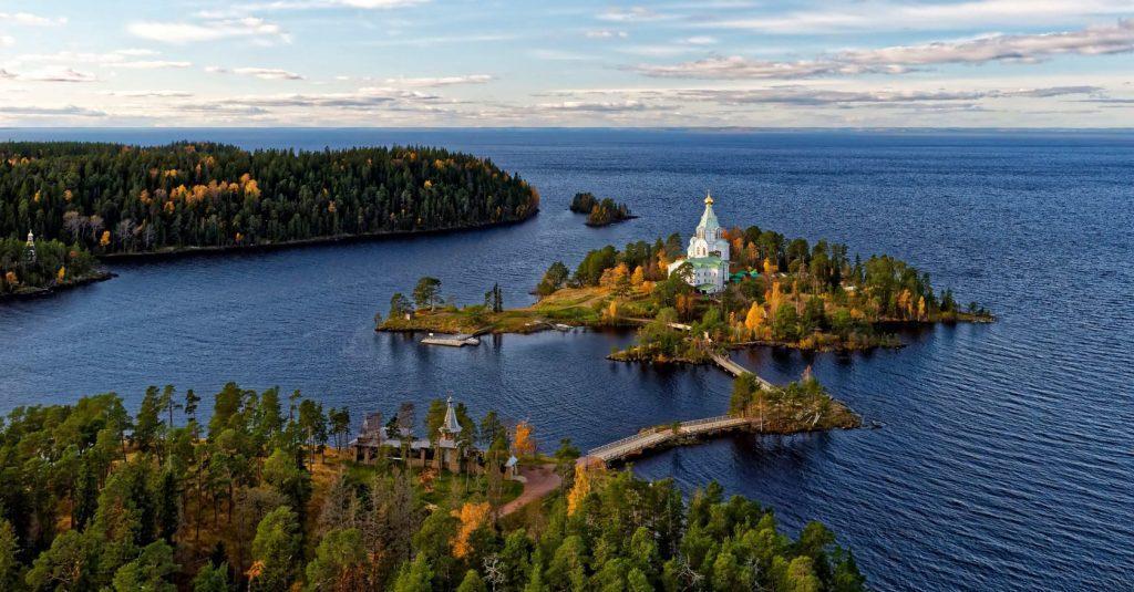 Валаам. Остров на Ладожском озере, где расположился поселок.