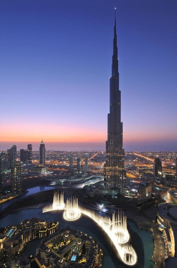 Роскошный 5* отель расположился в одном из самых знаменитых и высоких зданий в Дубае. Армани находится в небоскребе Будж Халифа недалеко от торгового центра Дубай-Молл