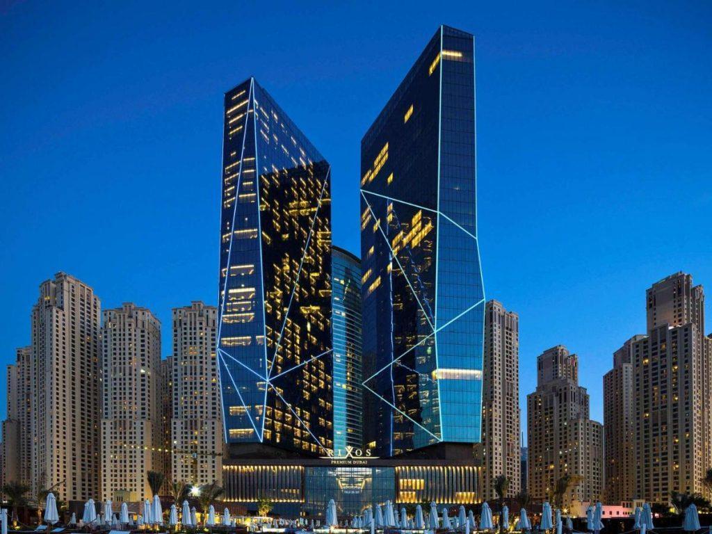 Один из лучших пляжных апарт-отелей премиум-класса в Дубае. Он расположился на первой линии пляжа Джумейра-Бич-Резиденс